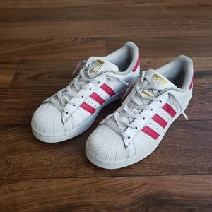 Adidas lady shell toe sneakers size 6